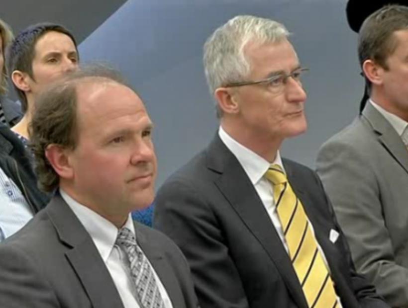 Vlaams minister Bourgeois en Muyters bezoeken Nijlens diamantslijperij